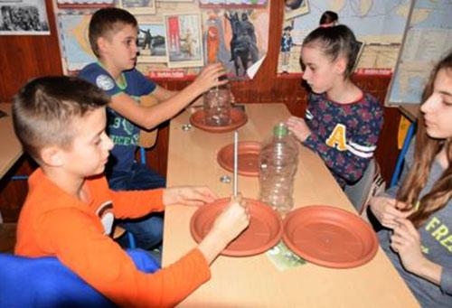 Udruge LEA i BIOM educirali učenike o zimskom hranjenju ptica